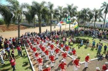 Desfile Cívico em Comemorações ao Sete De Setembro no Município